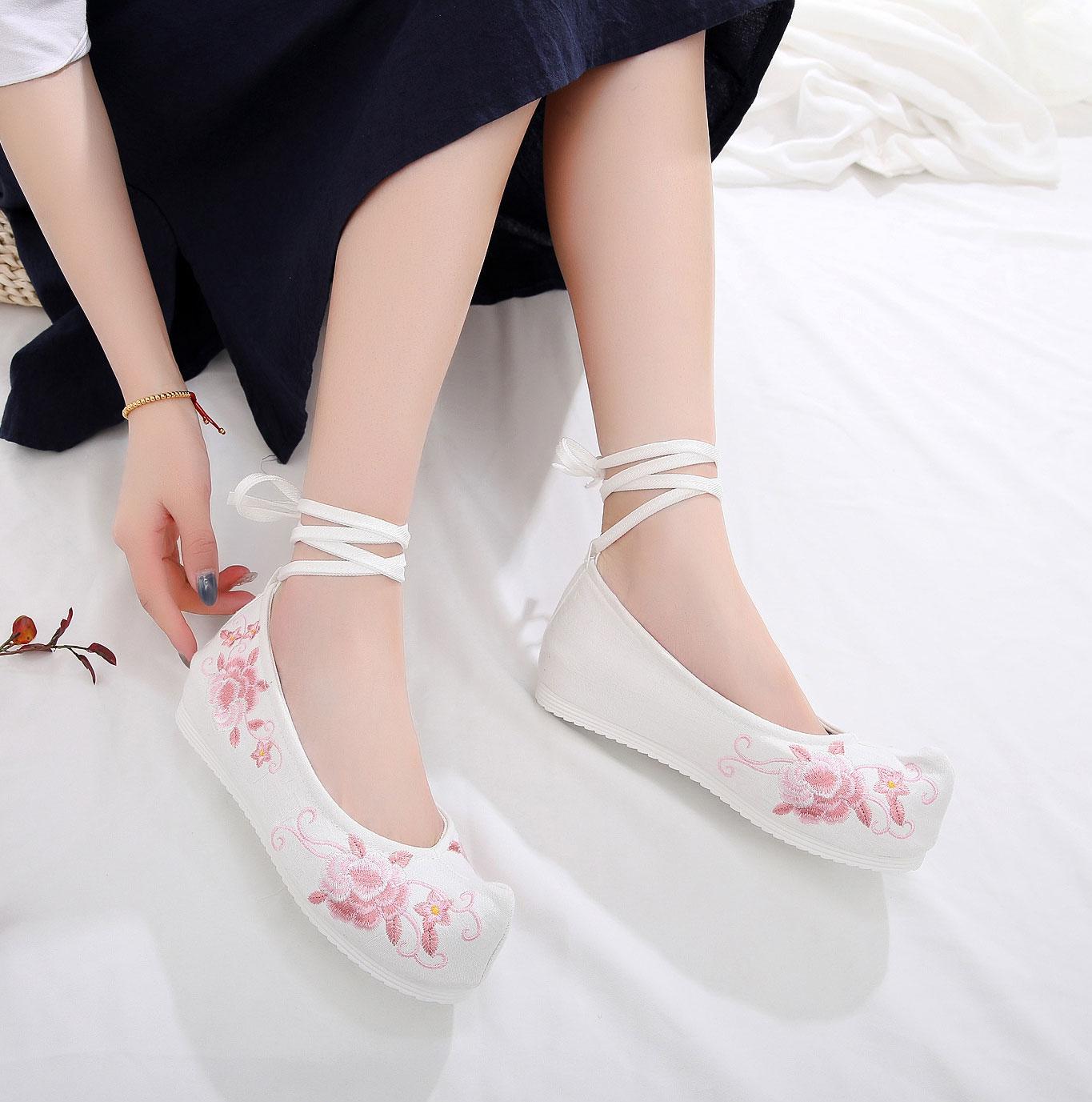 ha50汉服鞋绣花鞋-白